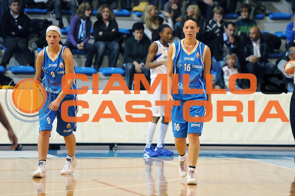 DESCRIZIONE : Faenza LBF Club Atletico Faenza GMA Phonica Pozzuoli<br /> GIOCATORE : Adriana Grasso Alejandra Chesta<br /> SQUADRA : GMA Phonica Pozzuoli<br /> EVENTO : Campionato Lega Basket Femminile A1 2009-2010<br /> GARA : Club Atletico Faenza GMA Phonica Pozzuoli<br /> DATA : 24/10/2009 <br /> CATEGORIA : delusione<br /> SPORT : Pallacanestro <br /> AUTORE : Agenzia Ciamillo-Castoria/M.Marchi<br /> Galleria : Lega Basket Femminile 2009-2010<br /> Fotonotizia : Faenza LBF Club Atletico Faenza GMA Phonica Pozzuoli<br /> Predefinita :