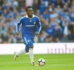 LONDON, ENGLAND - Saturday, April 18, 2009: Chelsea's' Michael Essien in action against Arsenal during the FA Cup Semi-Final match at Wembley. (Photo by: David Rawcliffe/Propaganda)
