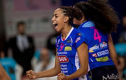 27-11-2016 ITA: Gorgonzola Igor Volley Novara - Nordmeccanica Modena, Novara<br /> Nova wint in drie sets van Modena / Sara Bonifacio #9