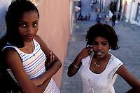 Cuba, Santiago de Cuba, Quartier Tivoli,  Jeunes filles // Cuba, Santiago de Cuba, Tivoli, young girl