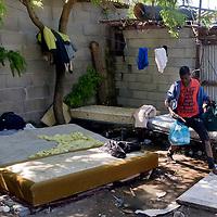 Sgomberato e demolito  insediamento di migranti