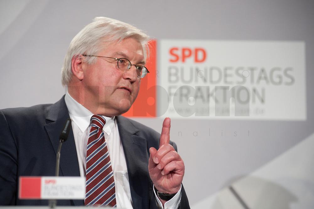 14 JAN 2010, BERLIN/GERMANY:<br /> Frank-Walter Steinmeier, SPD Fraktiionsvorsitzender, haelt eine Rede, Neujahrsempfang der SPD Bundestagsfarktion, Fraktionsebene, Deutscher Bundestag<br /> IMAGE: 20100114-02-008