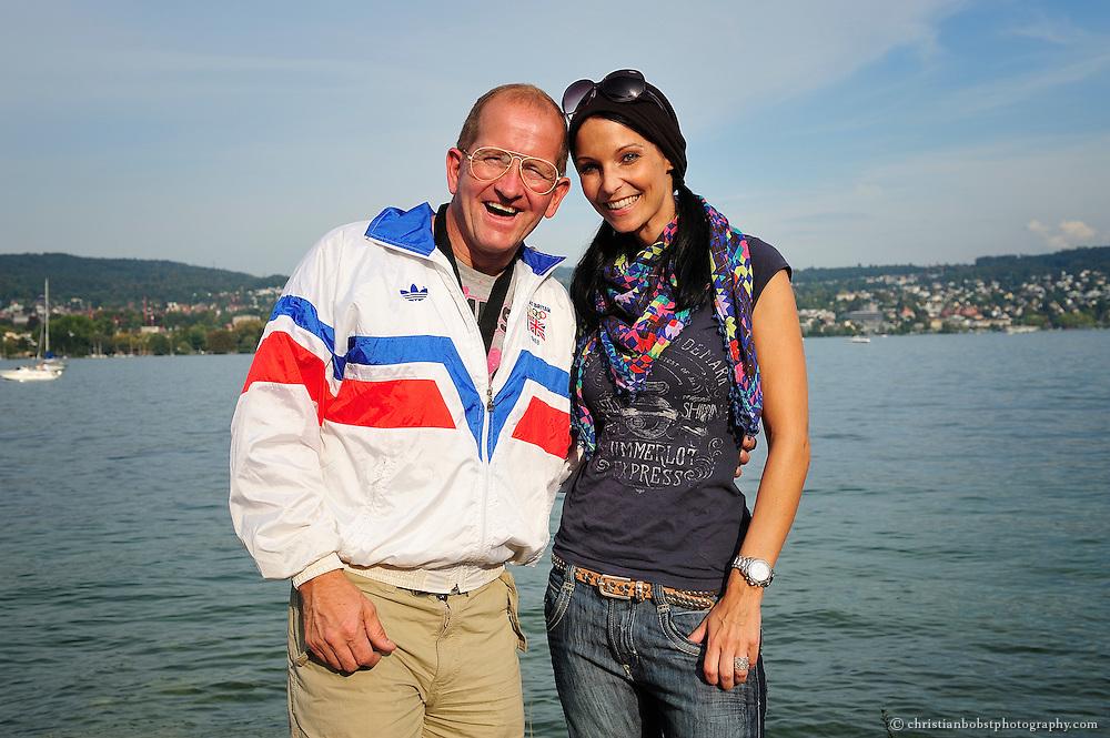 Zürich, 25. September 2011 am freestyle.ch: Zusammen mit einem Dr. Andres Wallwurz Lifetime Award Winner  lassen sich sogar Ex-Miss Schweizens gerne ablichten.