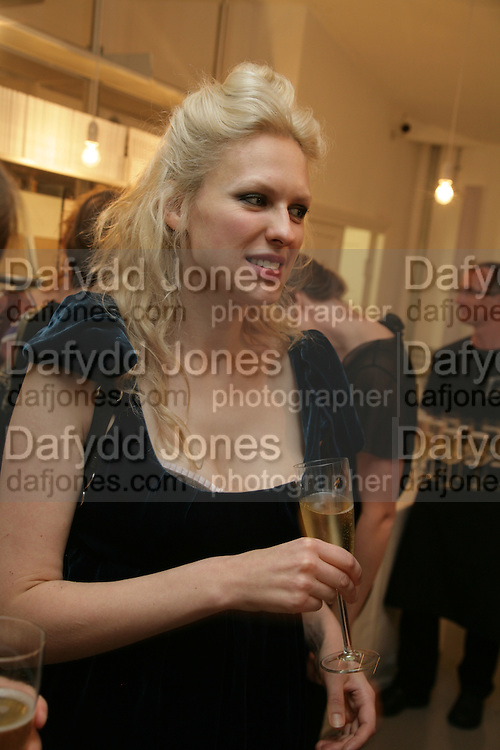 Vita Zaman, Anita Zabludowicz gallery opening dinner at 176 Prince of Wales Road, NW5 17 September 2007. -DO NOT ARCHIVE-© Copyright Photograph by Dafydd Jones. 248 Clapham Rd. London SW9 0PZ. Tel 0207 820 0771. www.dafjones.com.