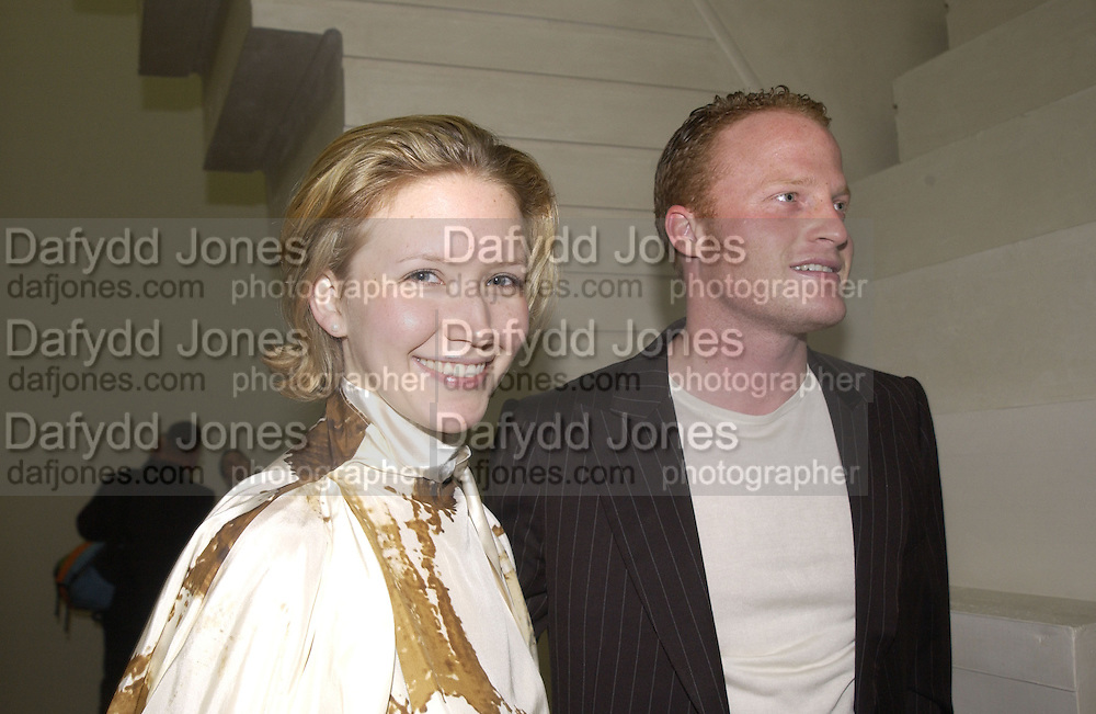 Dawn Goldworm and Christian Pearson. Rachel Whiteread, Haunch of Venison opening party. 28 October 2002. © Copyright Photograph by Dafydd Jones 66 Stockwell Park Rd. London SW9 0DA Tel 020 7733 0108 www.dafjones.com