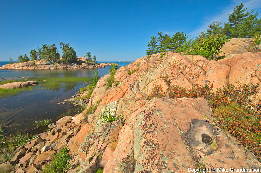 Precambrian Shield rock on the Chikanishing Trail  along Georgian Bay (Lake Huron)<br />