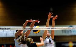 08-12-2010 VOLLEYBAL: SLIEDRECHT SPORT - SPARKASSE HARTBERG: SLIEDRECHT<br /> Sliedrecht Sport wint het eerste duel in de Challenge Cup tegen Hartberg met 3-0 / Mariska Koster en Laure Obelink<br /> &copy;2010-WWW.FOTOHOOGENDOORN.NL