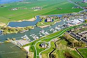 Nederland, Noord-Holland, Gemeente Gooise Meren, 20-04-2015; Vesting Muiden, Westbatterij, onderdeel Hollandse Waterlinie. Muiderslot in de achtergrond. <br /> Fortress Muiden, West Battery, part Dutch Waterline.<br /> <br /> luchtfoto (toeslag op standard tarieven);<br /> aerial photo (additional fee required);<br /> copyright foto/photo Siebe Swart