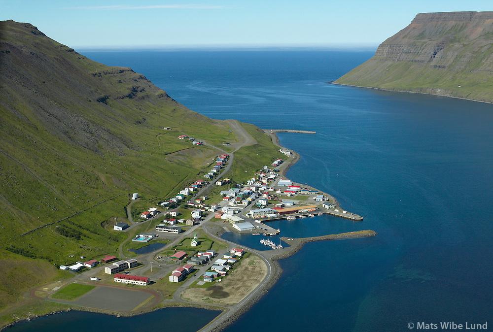 Suðureyri, Göltur i baksýni, Ísafjarðarbær . - .BISU Suðureyri flugvöllur séð til norðvesturs. Afskráður lendingarstaður án þjónustu. /.Sudureyri, mount Goltur in background. Isafjardarbaer. .BISU Sudureyri airfield viewing northwest. Uncertified and closed landingstrip without service.