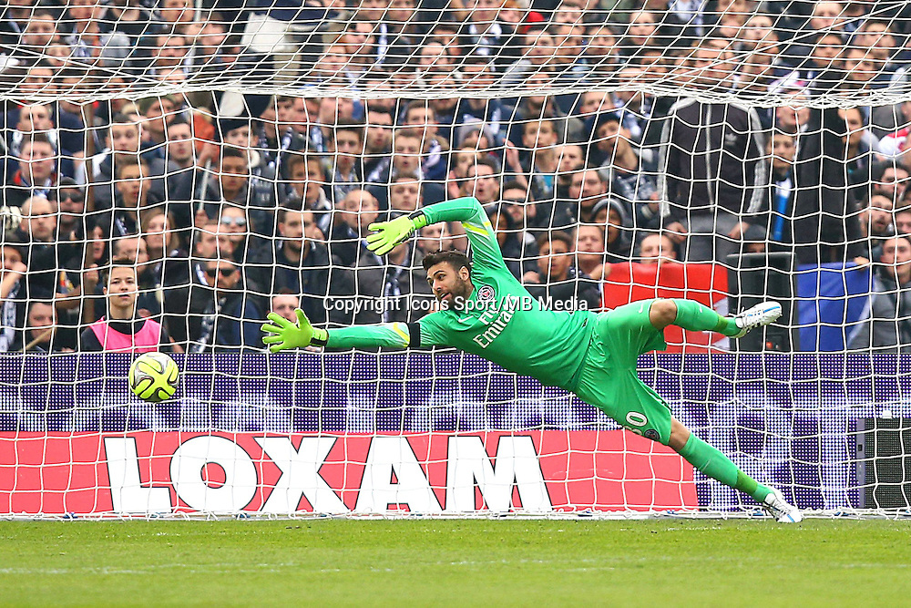 But Ludovic Sane / Salvatore SIRIGU - 15.03.2015 - Bordeaux / Paris Saint Germain - 29e journee Ligue 1<br /> Photo : Manuel Blondeau / Icon Sport