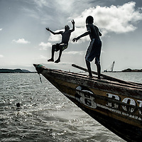 24/07/2014. Conakry. Guinée Conakry. Port de pêche Boloubiné.    ©Sylvain Cherkaoui/Cosmos pour M le magazine du Monde