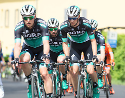 16.04.2018, Folgaria, ITA, Tour of the Alps, Italien 1. Etappe Arco nach Folgaria im Bild v.l. Lukas Pöstlberger (AUT, Bora - Hansgrohe), Michael Schwarzmann (GER, Bora - Hansgrohe), Felix Grossschartner (AUT, Bora - Hansgrohe) // during the Tour of the Alps 1st stage from Arco to Folgaria, Italy on 2018/04/16. EXPA Pictures © 2018, PhotoCredit: EXPA/ Reinhard Eisenbauer