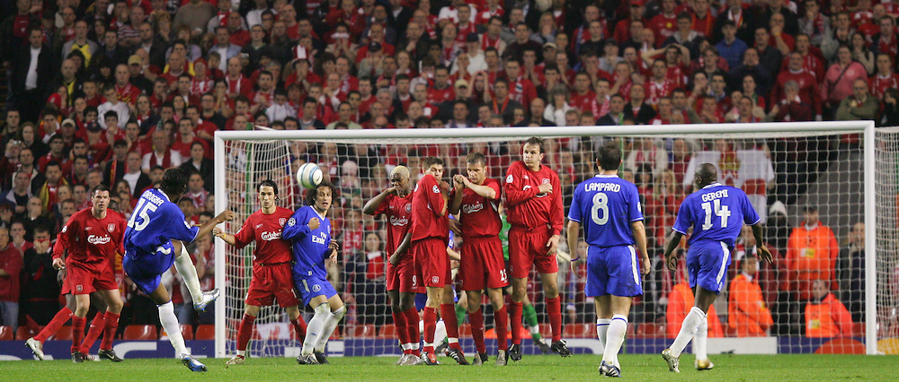 LIVERPOOL, ENGLAND. TUESDAY, MAY 3rd, 2005: Liverpool's player defend a Chelsea's free-kick during the UEFA Champions League Semi Final 2nd Leg at Anfield. (Pic by David Rawcliffe/Propaganda)