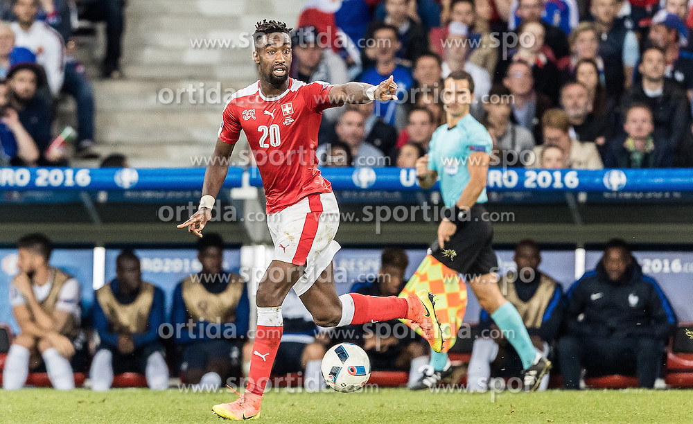 19.06.2016, Stade Pierre Mauroy, Lille, FRA, UEFA Euro, Frankreich, Schweiz vs Frankreich, Gruppe A, im Bild Johan Djourou (SUI) // Johan Djourou (SUI) during Group A match between Switzerland and France of the UEFA EURO 2016 France at the Stade Pierre Mauroy in Lille, France on 2016/06/19. EXPA Pictures © 2016, PhotoCredit: EXPA/ JFK