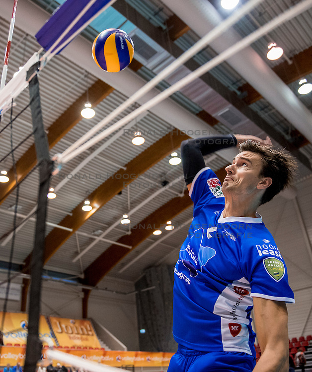 02-10-2016 NED: Supercup Abiant Lycurgus - Coniche Topvolleybal Zwolle, Doetinchem<br /> Lycurgus wint de Supercup door Zwolle met 3-0 te verslaan / Wytze Kooistra #2 of Lycurgus