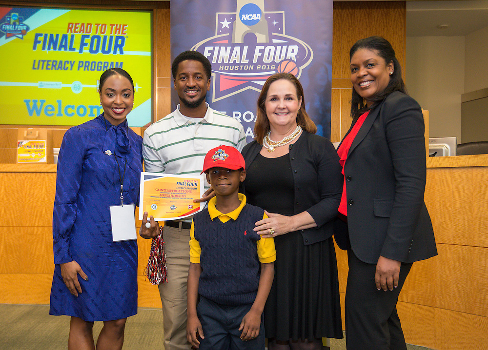 Barrick Elementary School is recognized during the reveal of the 32 finalists in the Houston ISD NCAA Read to the Final Four, November 11, 2015.
