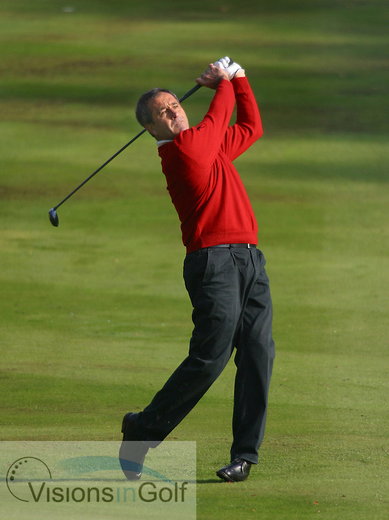 031015/WENTWORTH, SURREY, UK/PHOTO MARK NEWCOMBE/HSBC WORLD MATCHPLAY CHAMPIONSHIP <br /><br />Seve Ballesteros on the 4th fairway