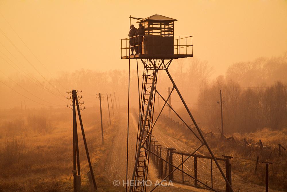 December 10, 1989. Bratislava/Devin, Czechoslovakia. A watchtower overlooking the Iron Curtain at the border to Austria. (Photo Heimo Aga)