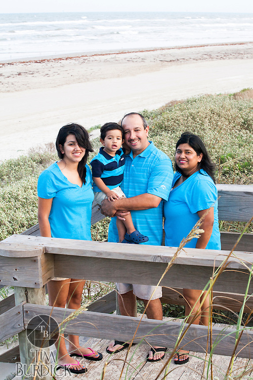 Images from a Family Beach portrait session by Tim Burdick photography in Port Aransas, Texas