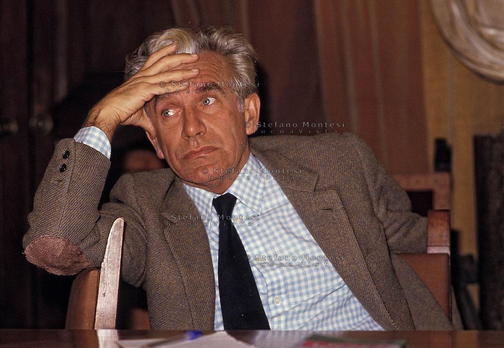 Lucio Magri (Ferrara, 19 agosto 1932 - Bellinzona, 28 novembre 2011) .Giornalista e politico italiano.
