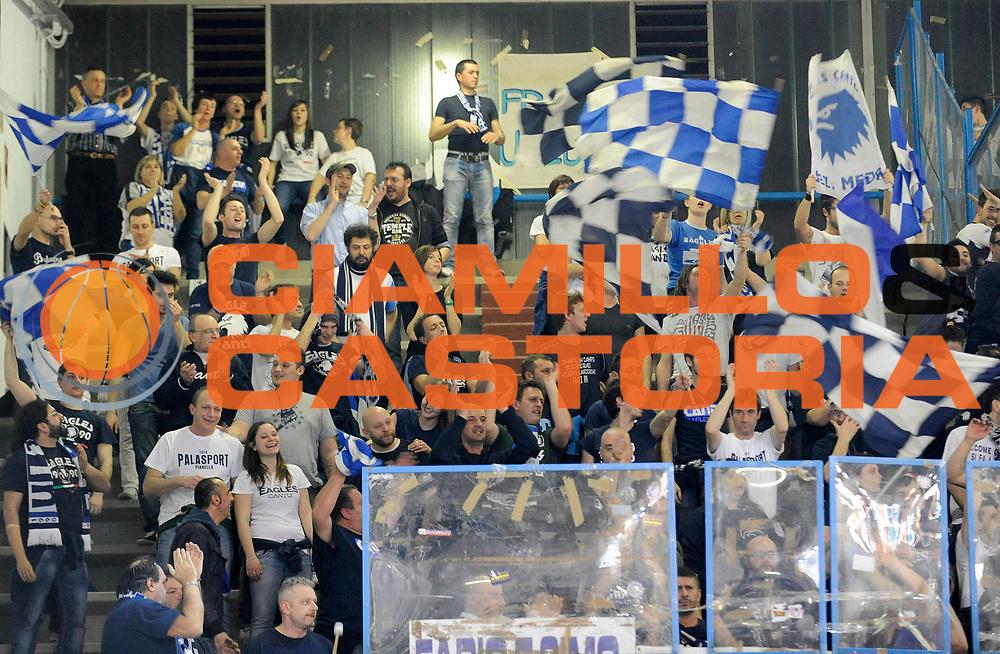 DESCRIZIONE : Cremona Lega A 2012-13 Vanoli Cremona Pallacanestro Cantu' <br /> GIOCATORE :<br /> SQUADRA : Pallacanestro Cantu' <br /> EVENTO : Campionato Lega A 2012-2013<br /> GARA :  Vanoli Cremona Pallacanestro Cantu' <br /> DATA : 10/03/2013<br /> CATEGORIA : Tifosi Supporters<br /> SPORT : Pallacanestro<br /> AUTORE : Agenzia Ciamillo-Castoria/A.Giberti<br /> Galleria : Lega Basket A 2012-2013<br /> Fotonotizia : Cremona Lega A 2012-13 Vanoli Cremona Pallacanestro Cantu' <br /> Predefinita :