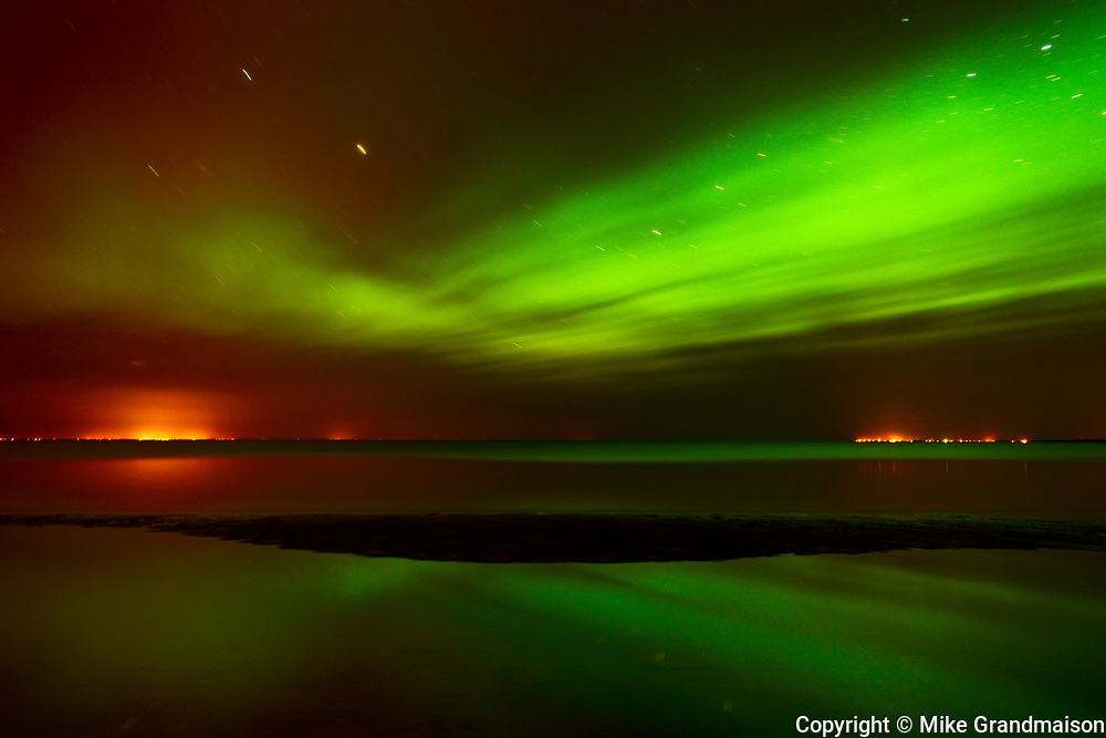 Northern lights or aurora borealis on Lake Winnipeg<br />Patricia Beach<br />Manitoba<br />Canada, Patricia Beach, Manitoba, Canada