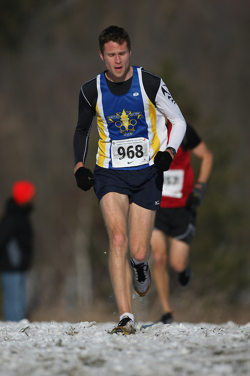 Guelph, Ontario ---29/11/08---  JEFF ENFIELD runs in the master's race at the 2008 AGSI Canadian Cross Country Championships in Guelph, Ontario, November 29, 2008..Sean Burges Mundo Sport Images