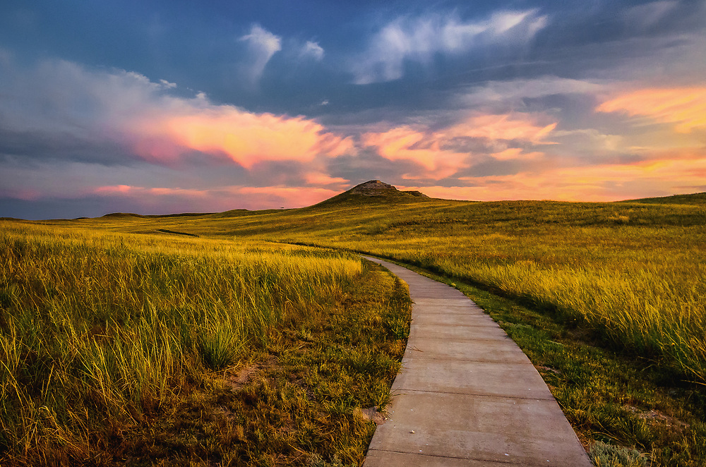 Trail to University Hill at Agate Fossil Beds National Monument.