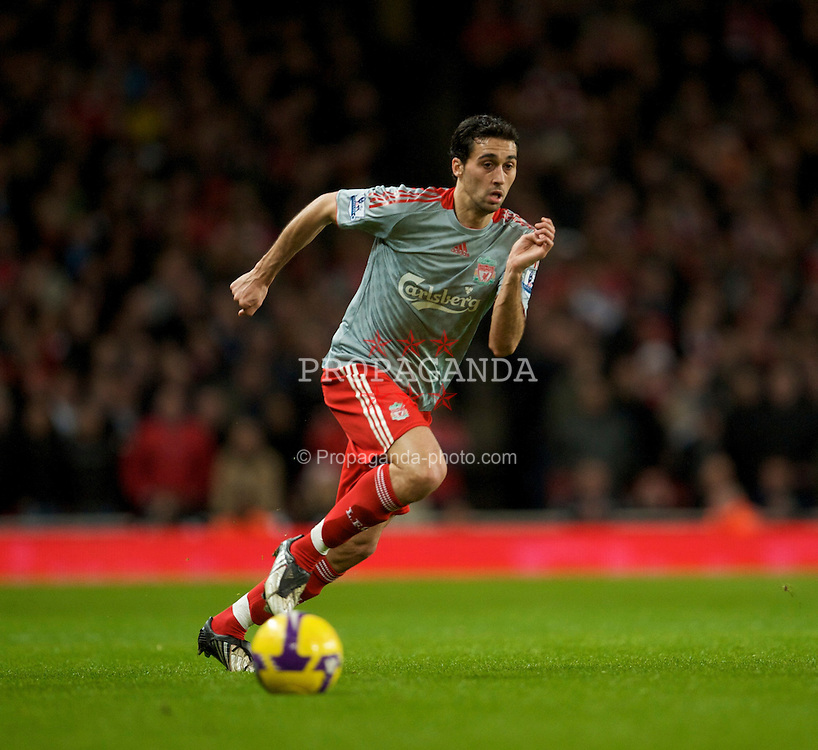 LONDON, ENGLAND - Sunday, December 21, 2008: Liverpool's Alvaro Arbeloa in action against Arsenal during the Premiership match at the Emirates Stadium. (Photo by David Rawcliffe/Propaganda)