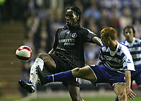 Photo: Lee Earle.<br /> Reading v Chelsea. The Barclays Premiership. 14/10/2006. Chelsea's Didier Drogba (L) and Reading's Steve Sidwell go for the ball.