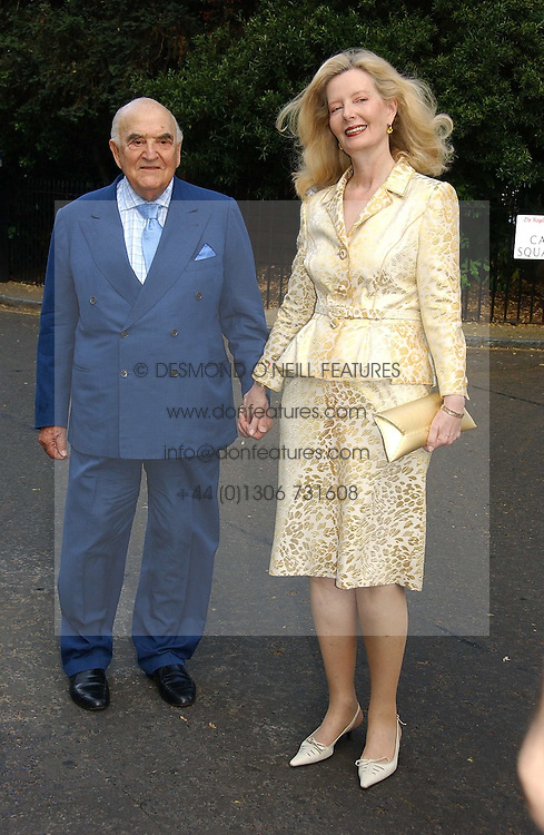 LORD & LADY WEIDENFELD at Sir David & Lady Carina Frost's annual summer party held in Carlyle Square, Chelsea, London on 5th July 2006.<br /><br />NON EXCLUSIVE - WORLD RIGHTS