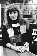 Nederland, Nijmegen, 15-5-1992Musicologe, cultuurhistorica en auteur Etty Mulder, voormalig hoogleraar musicologie en algemene cultuurwetenschappen aan de Radboud Universiteit .FOTO: FLIP FRANSSEN/ HOLLANDSE HOOGTE