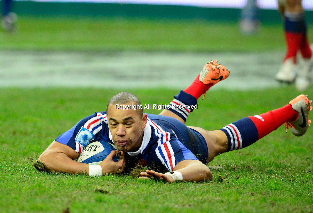 01.02.2014. Stade de France, Paris, France. 6 Nations International Rugby Union. France versus England. Gael Fickou ( France ) scores his game winning try