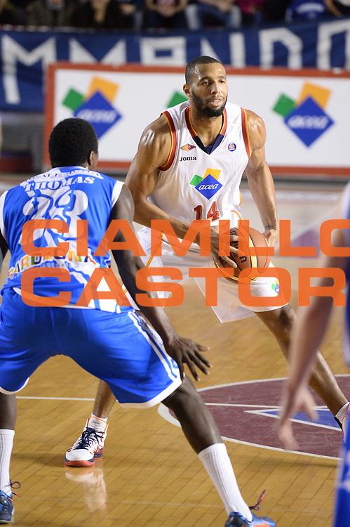 DESCRIZIONE : Roma Lega serie A 2013/14 Acea Virtus Roma Banco Di Sardegna Sassari<br /> GIOCATORE : Hosley Quinton<br /> CATEGORIA : passaggio<br /> SQUADRA : Acea Virtus Roma<br /> EVENTO : Campionato Lega Serie A 2013-2014<br /> GARA : Acea Virtus Roma Banco Di Sardegna Sassari<br /> DATA : 22/12/2013<br /> SPORT : Pallacanestro<br /> AUTORE : Agenzia Ciamillo-Castoria/ManoloGreco<br /> Galleria : Lega Seria A 2013-2014<br /> Fotonotizia : Roma Lega serie A 2013/14 Acea Virtus Roma Banco Di Sardegna Sassari<br /> Predefinita :