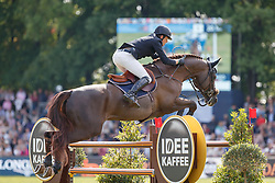 SMOLDERS Harrie (NED), Don VHP Z<br /> Hamburg - 89. Deutsches Spring- und Dressur Derby 2018<br /> Longines Global Champions Tour<br /> Grand Prix of Hamburg<br /> 12.Mai 2018<br /> www.sportfotos-lafrentz.de/Stefan Lafrentz