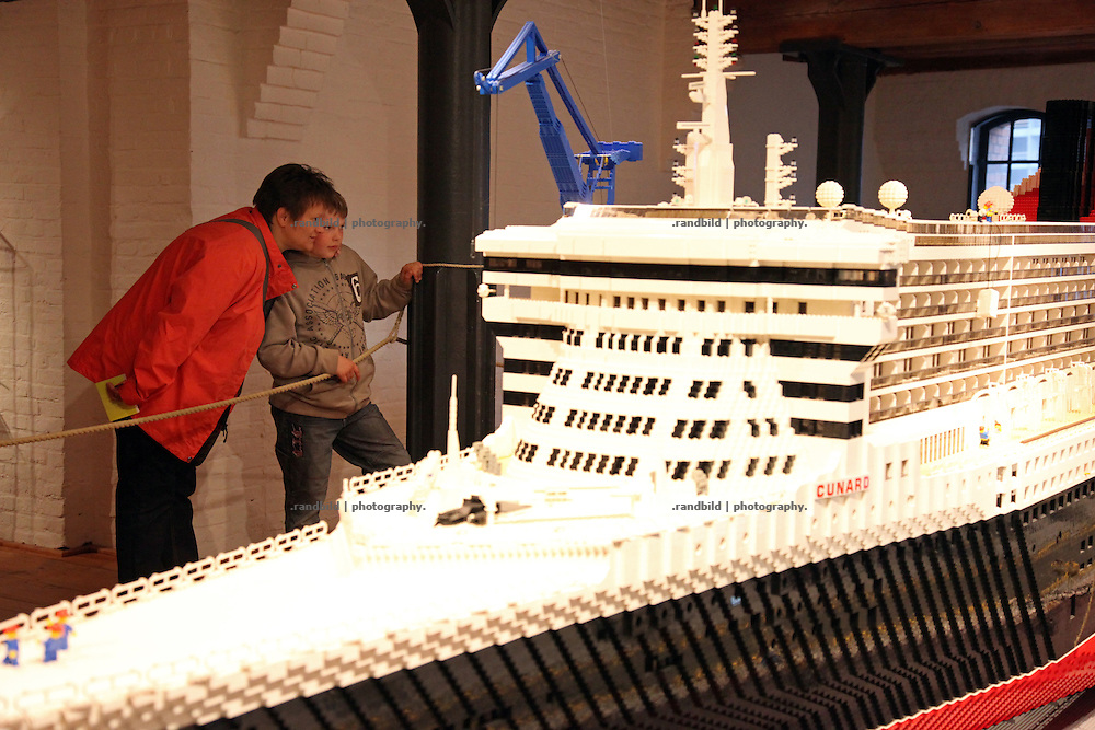 "Das Internationale Maritime Museum in Hamburg während der ""Lange Nacht der Museen"". The International Miritime Museum during the ""long night of museums"" in Hamburg."