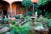 MEXICO, GUADALAJARA San Pedro Tlaquepaque, popular suburb containing many craft shop, galleries and restaurants