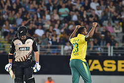 February 17, 2017 - Auckland, New Zealand - Andile Phehlukwayo of South Africa celebrates wicket of Corey Anderson during international Twenty20 cricket match between South Africa and New Zealand. (Credit Image: © Shirley Kwok/Pacific Press via ZUMA Wire)