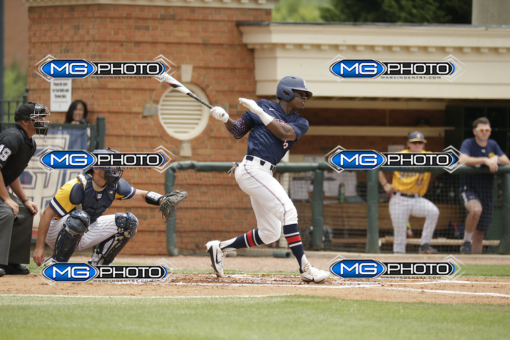 May 20, 2017; Homewood, AL, USA; Samford outfielder T.J. Dixon (6) Samford Bulldogs vs UNCG during the at Joe Lee Griffin Field. Credit: Marvin Gentry