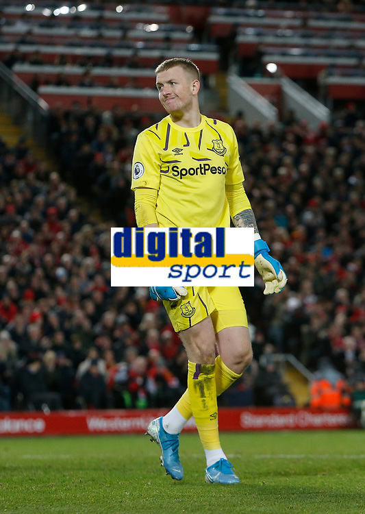 Football - 2019 / 2020 Premier League - Liverpool vs. Everton<br /> <br /> Everton keeper Jordan Pickford, at Anfield.<br /> <br /> COLORSPORT/ALAN MARTIN
