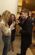 Sheryl Crow, Nicolle Ferreira and Christopher Bailey, Christopher Bailey hosts a party to celebrate the launch of ' The Snippy World of New Yorker Fashion Artist Michael Roberts' Burberry, New Bond St.  London. 19  September 2005. ONE TIME USE ONLY - DO NOT ARCHIVE © Copyright Photograph by Dafydd Jones 66 Stockwell Park Rd. London SW9 0DA Tel 020 7733 0108 www.dafjones.com