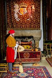 A gentleman in period servants costume in the Queen's Bedchamber, Stirling Castle, Scotland<br /> <br /> (c) Andrew Wilson | Edinburgh Elite media