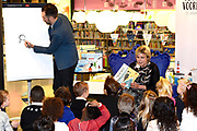 Prinses Laurentien leest voor aan kinderen van groep 1 en 2, uit het kinderboek De kleine walvis, tijdens het Nationale Voorleesontbijt in de nieuwe bibliotheek in Almere-Stad<br /> <br /> Princess Laurentien reads to children of group 1 and 2, from the children's book The Little Whale, during National Reading Breakfast at the new library in Almere-Stad<br /> <br /> Op de foto / On the photo:  Prinses Laurentien en auteur van het kinderboek De kleine walvis Benji Davies  //  Princess Laurentien and author of the children's book The Little Whale Benji Davies