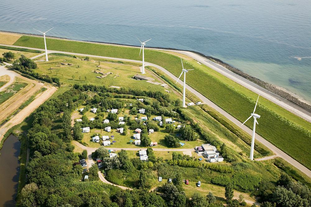 Nederland, Zeeland, Ritthem, 04-07-2006; camping in omgeving van Karnemelkshoek aan de Westerschelde (ten Oosten van Vlissingen), in de knik van de zeedijk ligt een caisson (restant watersnoodramp 1953), windmolens leveren stroom aan de nabijgelegen centrale Borssele; energie, groene stroom, recreatie, toerisme, caravan; luchtfoto (toeslag); aerial photo (additional fee required); .foto Siebe Swart / photo Siebe Swart