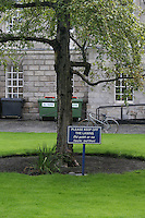 Keep off the lawns sign at Trinity College Dublin
