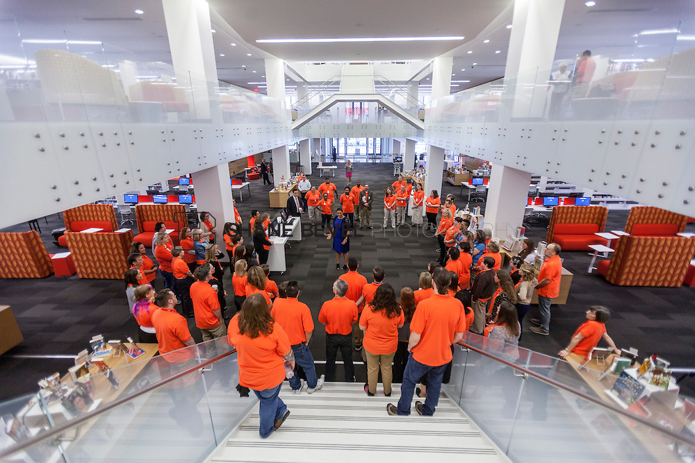 10/1/16 9:19:06 AM -- Tulsa City-County Library opens the new Central Library in downtown Tulsa, Okla. <br /> <br /> Photo by Shane Bevel