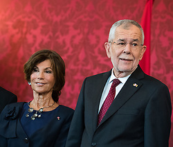 "03.06.2019, Präsidentschaftskanzlei, Wien, AUT, Angelobung der Übergangsregierung, im Bild Bundeskanzlerin Brigitte Bierlein und Bundespräsident Alexander Van der Bellen // Austrian Chancellor Brigitte Bierlein and federal president of Austria Alexander Van der Bellen during inauguration of the provisional government after ""Ibiza Affair"" at Federal Presidents Office in Vienna, Austria on 2019/06/19, EXPA Pictures © 2019, PhotoCredit: EXPA/ Michael Gruber"