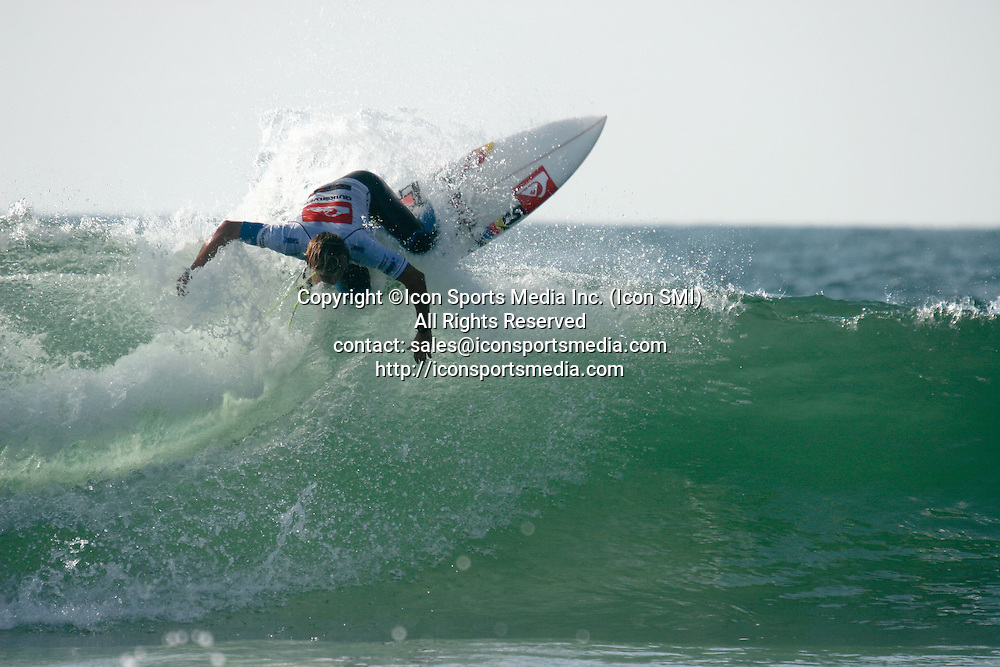 26 Sept 09 : Julian Wilson (Aus) during the Quiksilver Pro France in Hossegor beach Seignosse Les Bourdaines