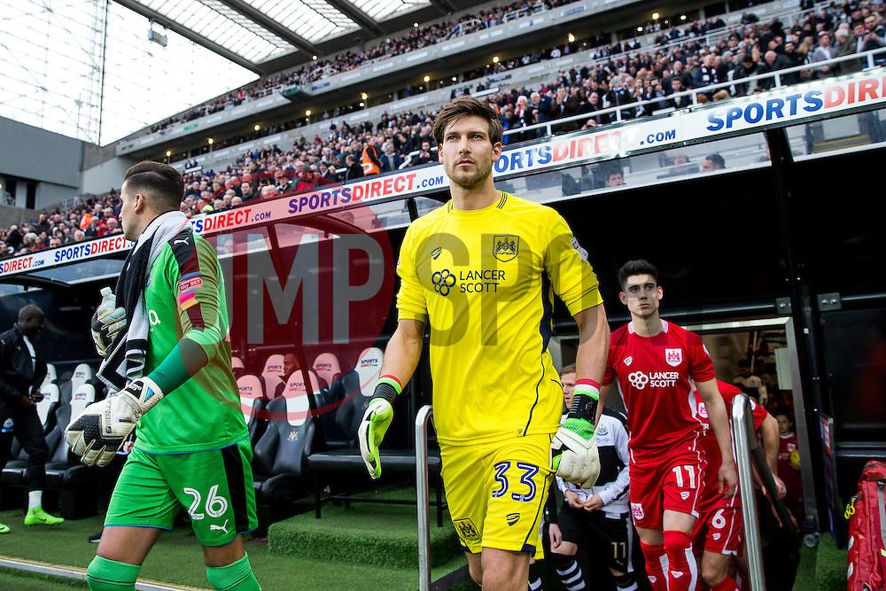Fabian Giefer of Bristol City walks out the tunnel - Rogan Thomson/JMP - 25/02/2017 - FOOTBALL - St James' Park - Newcastle, England - Newcastle United v Bristol City - Sky Bet EFL Championship.