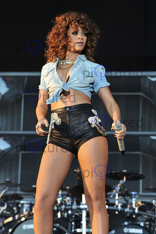 Rihanna performs at the V Festival, Hylands Park, Chelmsford, UK.  21 August 2011. Contact: Rich@Piqtured.com +44(0)7941 079620 Picture by Awais